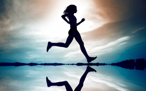 ws_Girl_Running_1680x1050